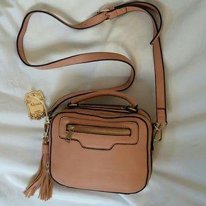 Alyssa vegan crossbody purse NWT